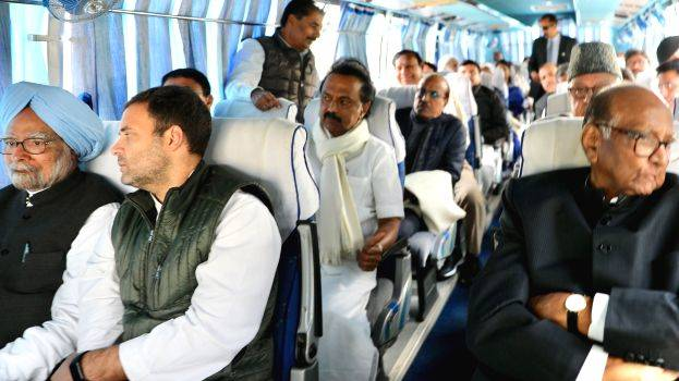 opposition-leaders-in-bus