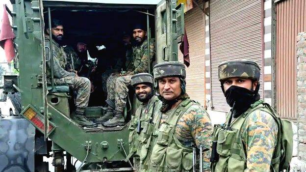 Centre orders immediate withdrawal of 10,000 troops from Jammu and ...